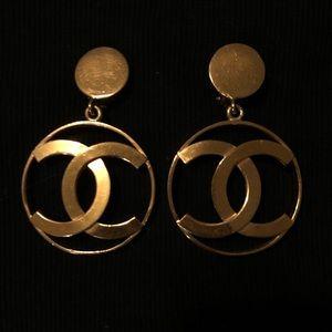 ICONIC VINTAGE Chanel Jumbo Hoops